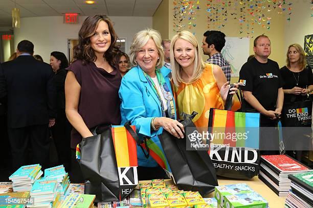 Actress Mariska Hargitay Linda Fairstein and Maile Zambuto package healing kits for children currently seeking services at Safe Horizon's Manhattan...
