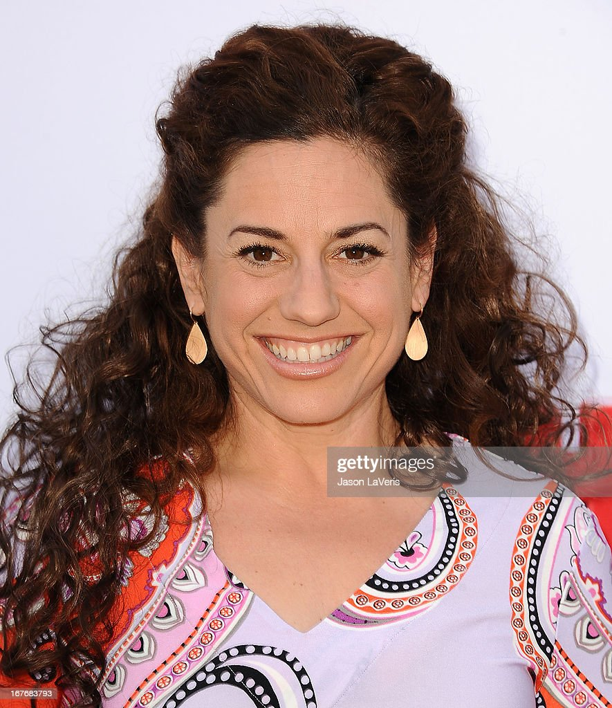 Actress Marissa Jaret Winokur attends the Baby2Baby Mother's Day garden party on April 27, 2013 in Los Angeles, California.