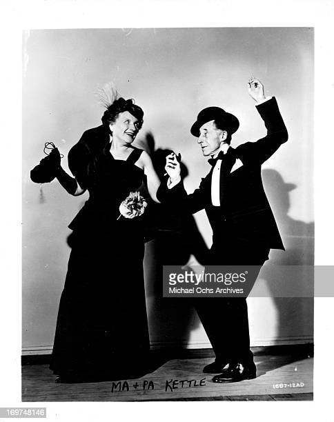 Actress Marjorie Main and actor Percy Kilbride pose for a portrait as Phoebe Kettle Ma and Franklin Kettle Pa in circa 1953