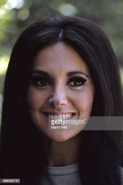 Actress Marlo Thomas poses for a portrait in 1970 in Los Angeles California