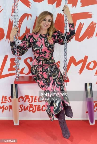 Actress Marta Hazas attends the L'Oreal Paris award photocall during Mercedes Benz Fashion Week Madrid Autumn/Winter 201920 at Ifema on January 28...