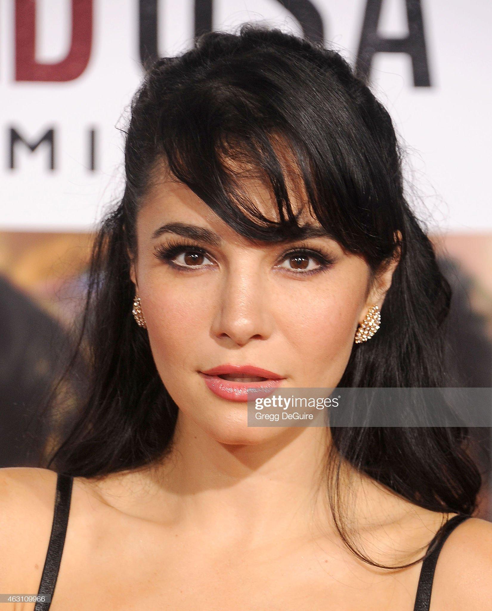 Las mezclas amerindias y europeas - Mestizas y mestizos - Página 30 Actress-martha-higareda-arrives-at-the-world-premiere-of-disneys-usa-picture-id463109966?s=2048x2048