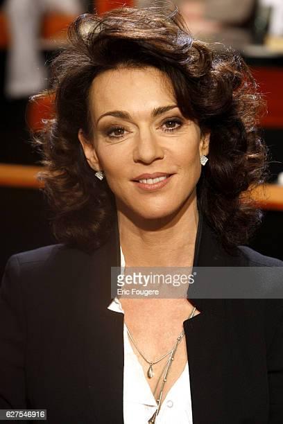 Actress Maruschka Detmers on the set of TV Show Au Field de la Nuit