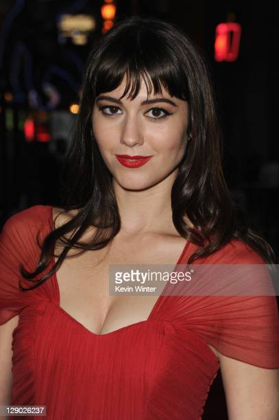 Actress Mary Elizabeth Winstead arrives at the premiere of Universal Pictures' 'The Thing' at Universal Studios Hollywood on October 10 2011 in...