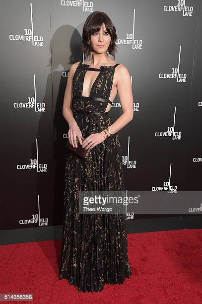 Actress Mary Elizabeth Winstead attends the 10 Cloverfield Lane New York premiere at AMC Loews Lincoln Square 13 theater on March 8 2016 in New York...