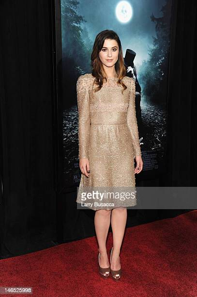 Actress Mary Elizabeth Winstead attends the Abraham Lincoln Vampire Hunter premiere at AMC Loews Lincoln Square on June 18 2012 in New York City