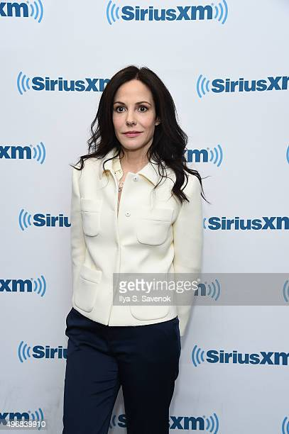 Actress Mary Louise Parker vists the SiriusXM Studios on November 12, 2015 in New York City.