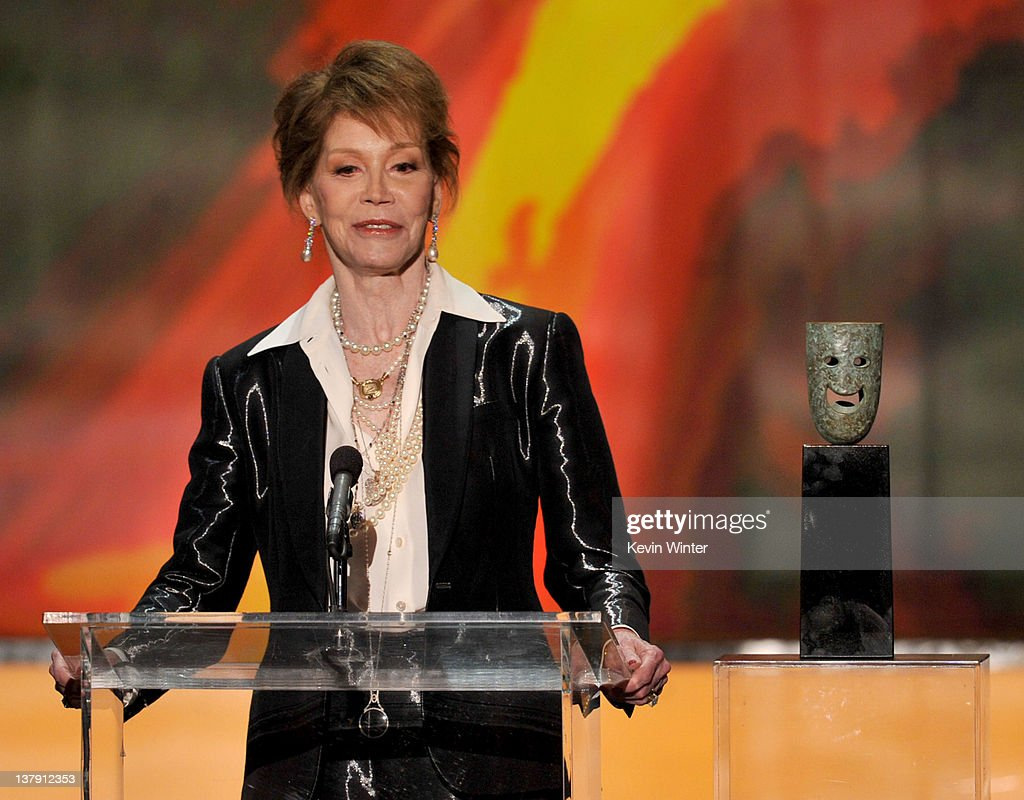 18th Annual Screen Actors Guild Awards - Show : News Photo
