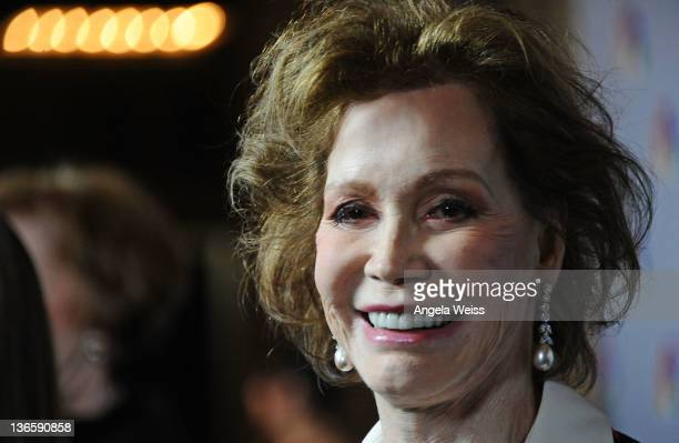 Actress Mary Tyler Moore attends NBC's taping of 'Betty White's 90th Birthday A Tribute to America's Golden Girl' at Millennium Biltmore Hotel on...