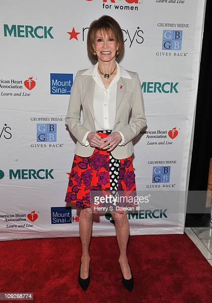 Actress Mary Tyler Moore attends the American Heart Association's New York City Go Red for Women luncheon at the Grand Hyatt on February 18 2011 in...