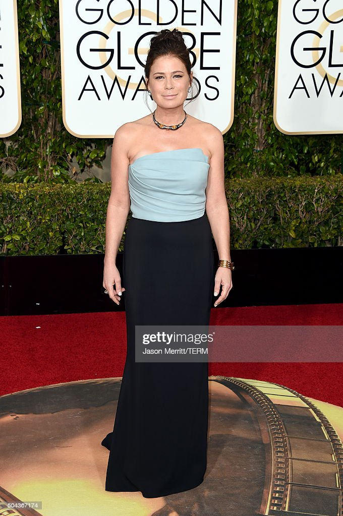 Actress Maura Tierney attends the 73rd Annual Golden Globe Awards held at the Beverly Hilton Hotel on January 10, 2016 in Beverly Hills, California.