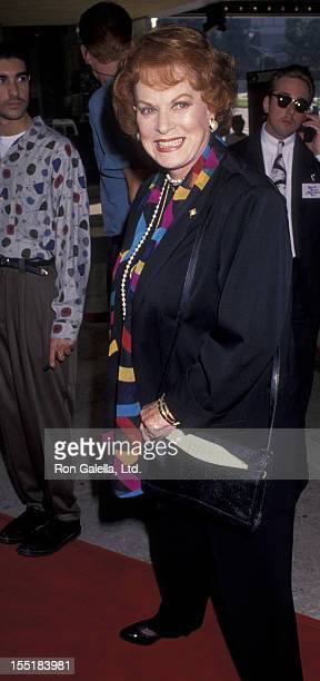 Actress Maureen O'Hara attends the premiere of 'Home Alone 2 Lost In New York' on November 15 1992 at the Plitt Theater in Century City California