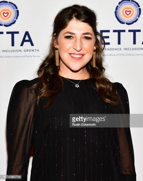 Actress Mayim Bialik attends ETTA's 25th Anniversary Gala at The Beverly Hilton Hotel on November 28 2018 in Beverly Hills California