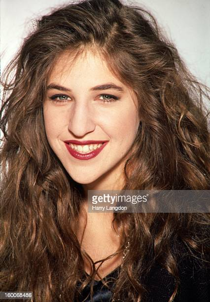 Actress Mayim Bialik poses for a portrait circa 1993 in Los Angeles California