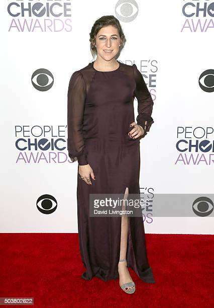 Actress Mayim Bialik poses in the press room during the People's Choice Awards 2016 at Microsoft Theater on January 6 2016 in Los Angeles California
