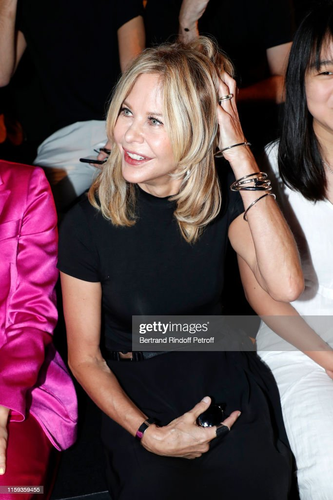 Schiaparelli : Front Row - Paris Fashion Week - Haute Couture Fall/Winter 2019/2020 : News Photo