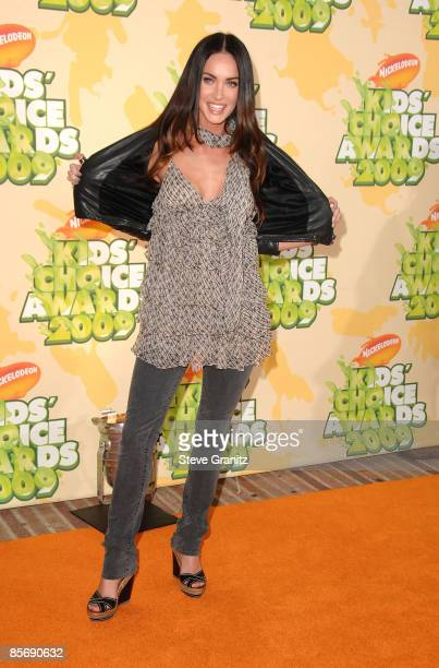 Actress Megan Fox arrives at Nickelodeon's 2009 Kids' Choice Awards at UCLA's Pauley Pavilion on March 28 2009 in Westwood California