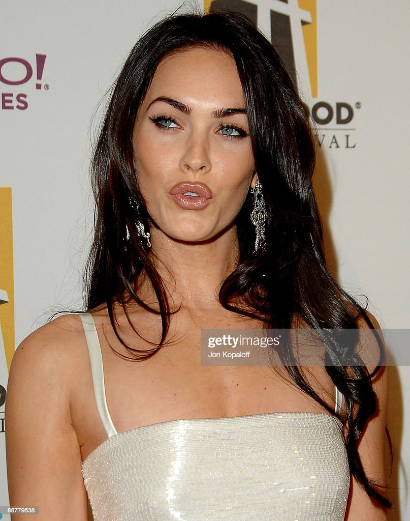 11th Annual Hollywood Awards - Arrivals : News Photo