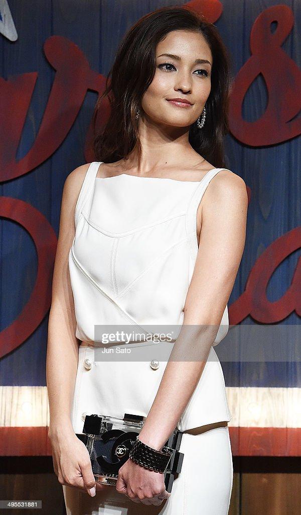 Actress Meisa Kuroki a...