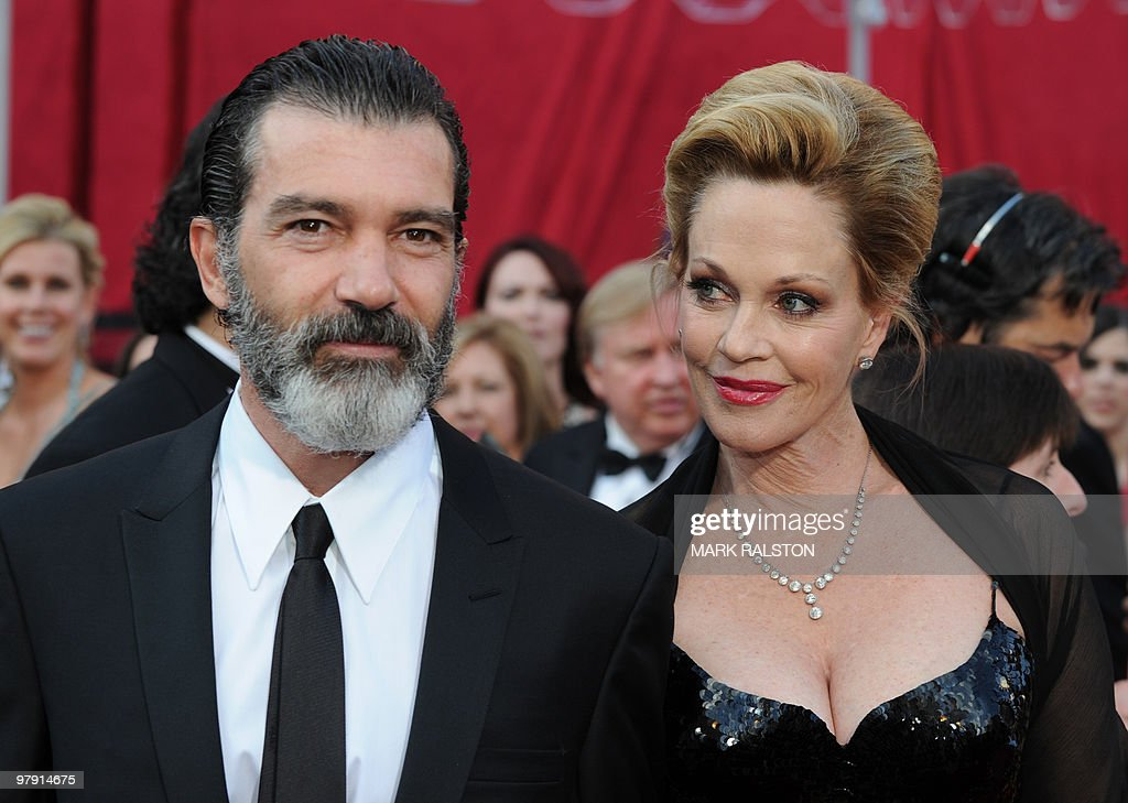 Actress Melanie Griffith and husband actor Antonio Banderas arrive at the 82nd Academy Awards at the Kodak Theater in Hollywood, California on March 07, 2010. AFP PHOTO Mark RALSTON