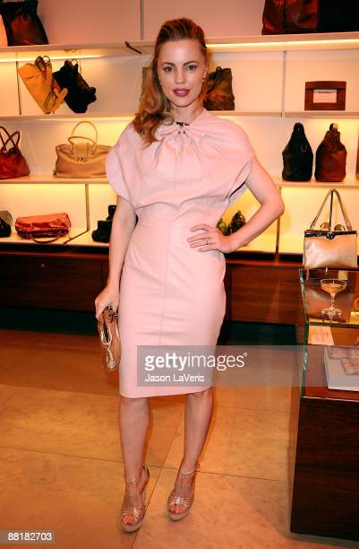Actress Melissa George attends Ferragamo's Benefit for the L'Aquila Earthquake Victims at Ferragamo Boutique on June 2, 2009 in Beverly Hills,...