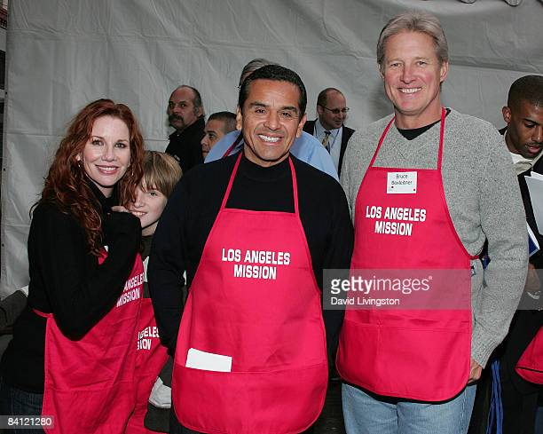 Actress Melissa Gilbert her son Michael Boxleitner Los Angeles mayor Antonio Villaraigosa and actor Bruce Boxleitner attend Christmas Eve at the Los...