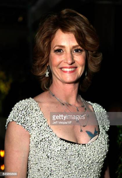 Actress Melissa Leo attends the 2009 Vanity Fair Oscar party hosted by Graydon Carter at the Sunset Tower Hotel on February 22 2009 in West Hollywood...