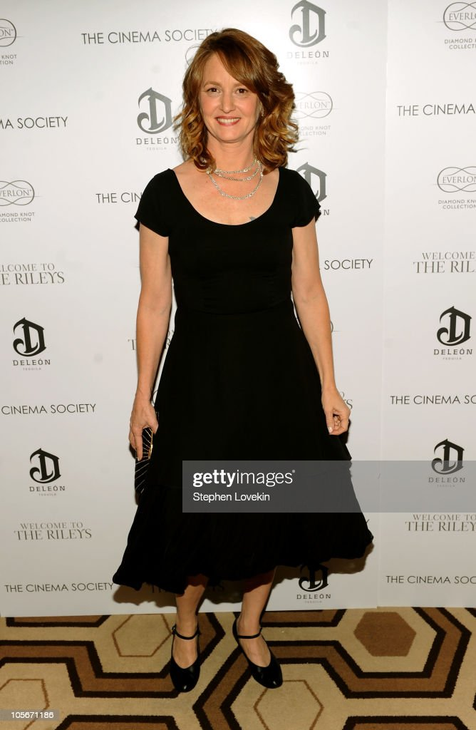 Actress Melissa Leo attends The Cinema Society & Everlon Diamond Knot Collection's screening of 'Welcome To The Rileys' on October 18, 2010 at the Tribeca Grand Hotel in New York City.