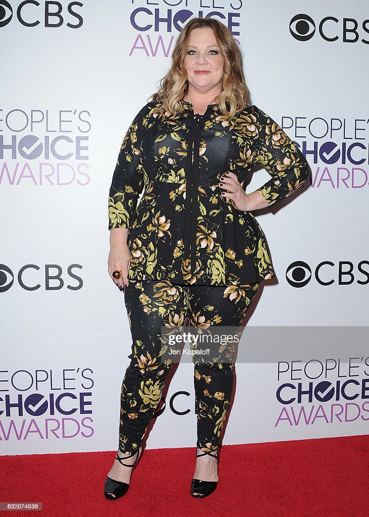 Actress Melissa McCarthy poses in the press room at the People's Choice Awards 2017 at Microsoft Theater on January 18, 2017 in Los Angeles, California.