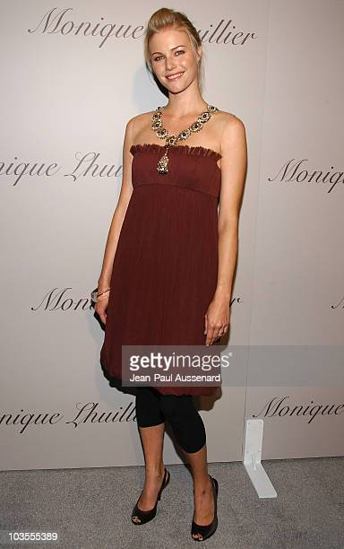 Actress Melissa Sagemiller arrives at the Monique Lhuillier new Melrose Place Boutique on October 10th, 2007 in Los Angeles, California.