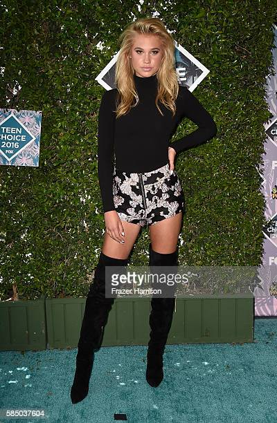 Actress Meredith Mickelson attends the Teen Choice Awards 2016 at The Forum on July 31 2016 in Inglewood California