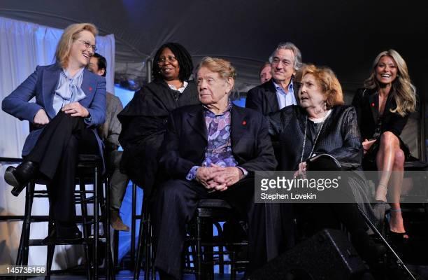 Actress Meryl Streep actress/TV personality Whoopi Goldberg actor/comedian Jerry Stiller actor Robert De Niro actress/comedian Anne Meara and TV...