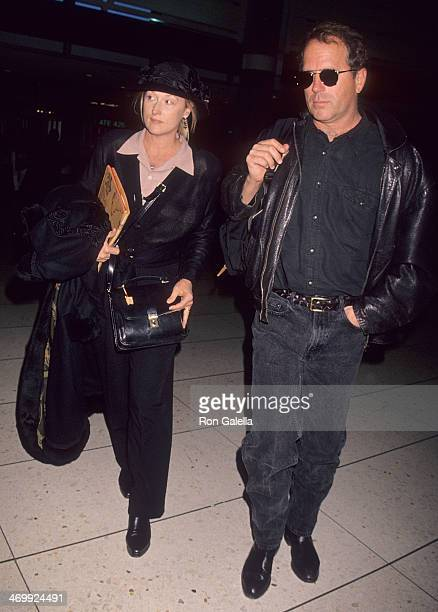 Actress Meryl Streep and husband Donald Gummer depart from New York City on December 17 1993 from the Los Angeles International Airport in Los...
