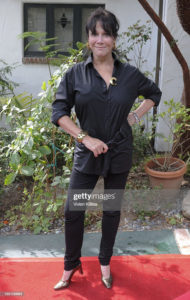 2nd Annual Celebrity Garden Party Fundraiser Memorabilia Auction For Motion Picture Home Hosted By Renee Taylor And Joe Bologna