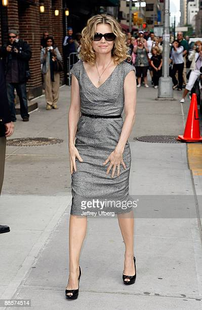"""Actress Michelle Pfeiffer visits """"Late Show with David Letterman"""" at the Ed Sullivan Theater on June 16, 2009 in New York City."""