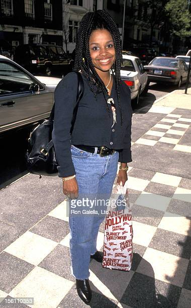 Actress Michelle Thomas leaving the Westbury Hotel on May 10 1994 in New York City New York