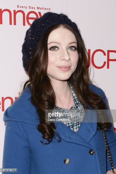 Actress Michelle Trachtenberg attends the JCPenney best of Spring showcase at Alice Tully Hall, Lincoln Center on March 2, 2010 in New York, New York.