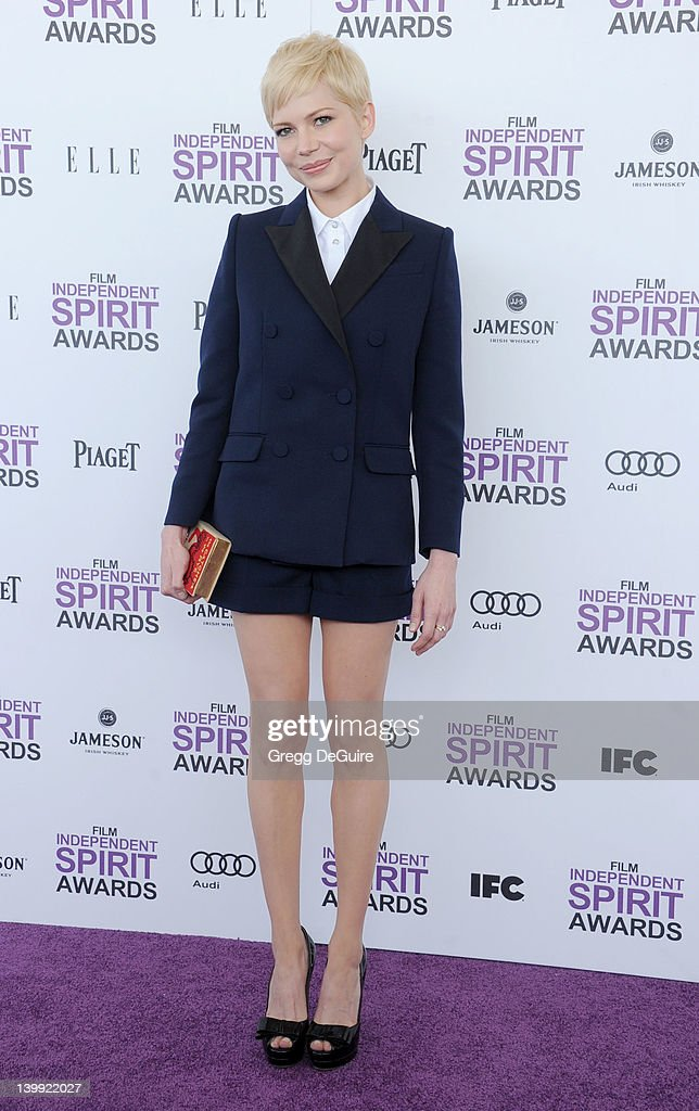 Actress Michelle Williams arrives at the 2012 Film Independent Spirit Awards at Santa Monica Pier on February 25, 2012 in Santa Monica, California.