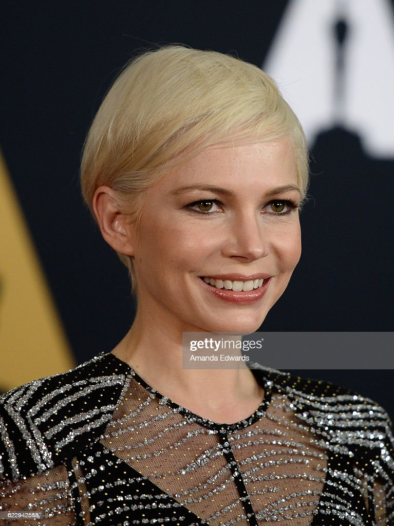 Actress Michelle Williams arrives at the Academy of Motion Picture Arts and Sciences' 8th Annual Governors Awards at The Ray Dolby Ballroom at Hollywood & Highland Center on November 12, 2016 in Hollywood, California.