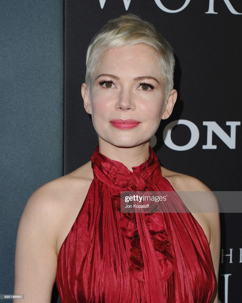 Actress Michelle Williams attends the Los Angeles Premiere 'All The Money In The World' at Samuel Goldwyn Theater on December 18, 2017 in Beverly Hills, California.