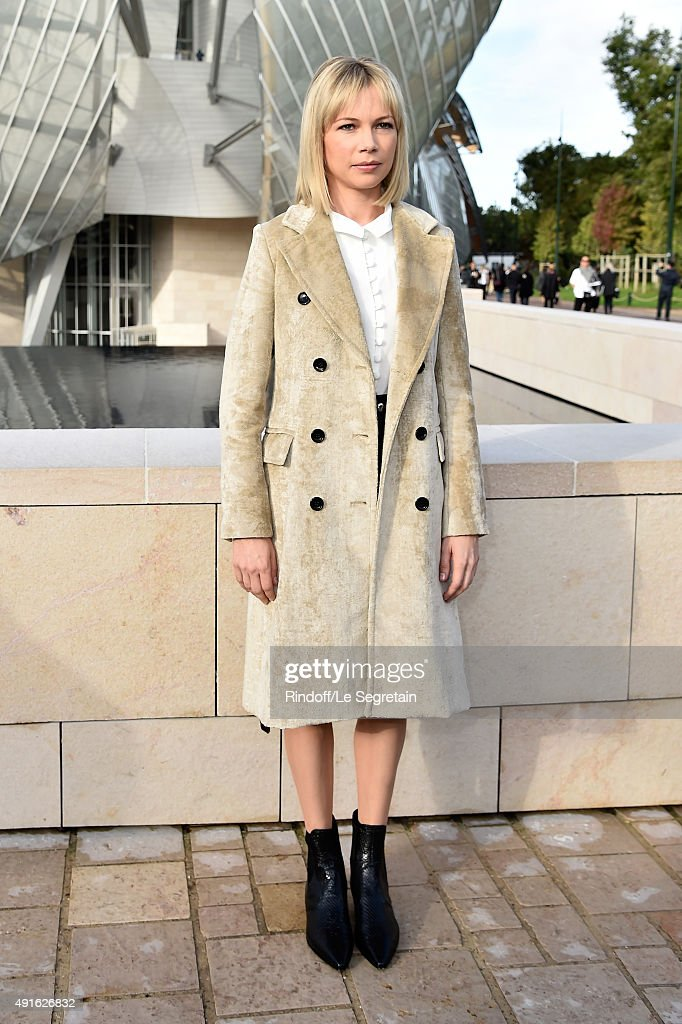Actress Michelle Williams attends the Louis Vuitton show as part of the Paris Fashion Week Womenswear Spring/Summer 2016 on October 7, 2015 in Paris, France.