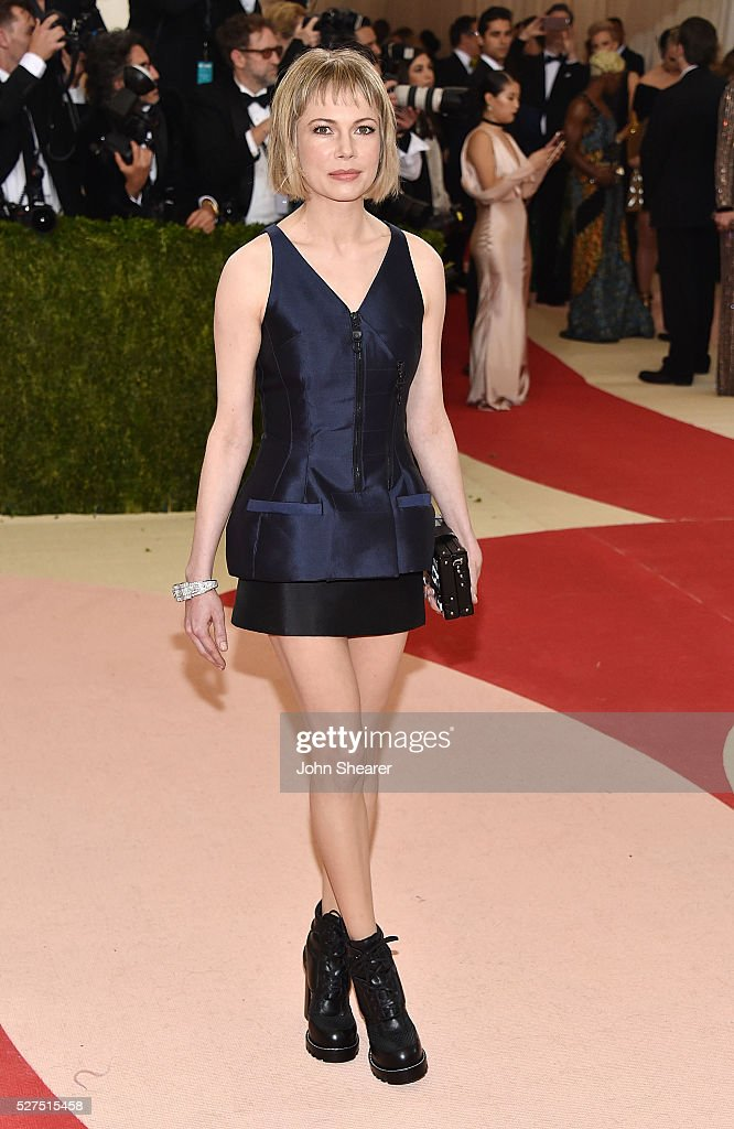 Actress Michelle Williams attends the 'Manus x Machina: Fashion In An Age Of Technology' Costume Institute Gala at Metropolitan Museum of Art on May 2, 2016 in New York City.