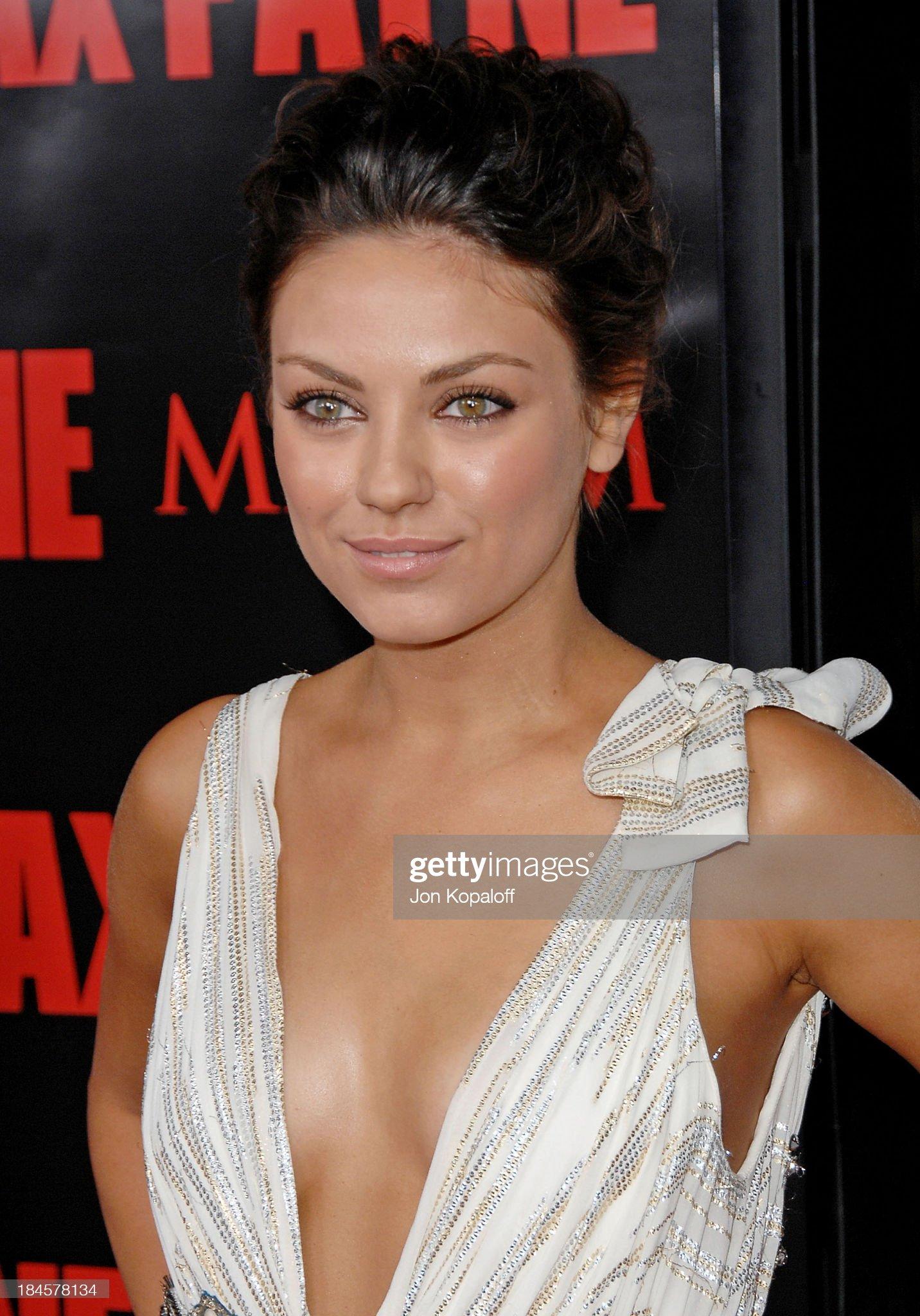 COLOR DE OJOS (clasificación y debate de personas famosas) - Página 8 Actress-mila-kunis-arrives-at-the-los-angeles-premiere-max-payne-at-picture-id184578134?s=2048x2048