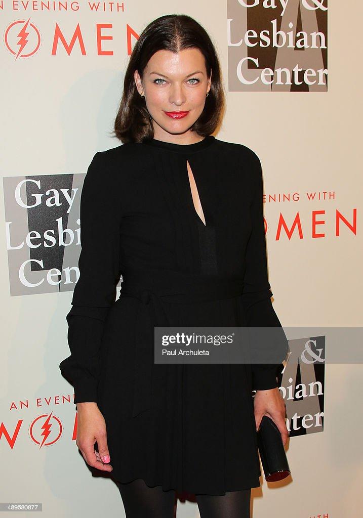 Mila Jovovich Lesbian