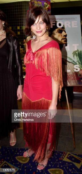 Actress Milla Jovovich attends the premiere of 'Before Night Falls' December 18 2000 in New York City