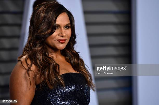 Actress Mindy Kaling attends the 2018 Vanity Fair Oscar Party hosted by Radhika Jones at Wallis Annenberg Center for the Performing Arts on March 4...