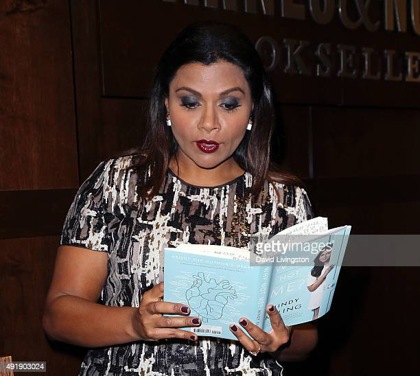 317 Mindy Kaling Book Photos And Premium High Res Pictures Getty Images