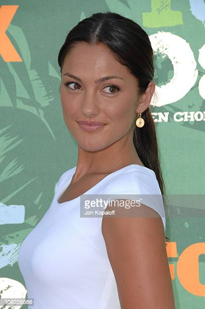 Actress Minka Kelly arrives at the 2008 Teen Choice Awards at Gibson Amphitheater on August 3 2008 in Los Angeles California