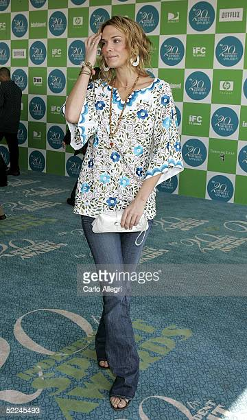Actress Molly Sims arrives at the 20th IFP Independent Spirit Awards in a tent on the beach on February 26, 2005 in Santa Monica. California.
