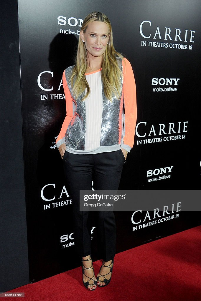 Actress Molly Sims arrives at the Los Angeles premiere of 'Carrie' at ArcLight Hollywood on October 7, 2013 in Hollywood, California.